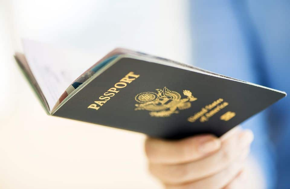 How to Obtain a Passport for Convicted Felons